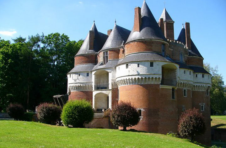 Château de Rambures (8 km)